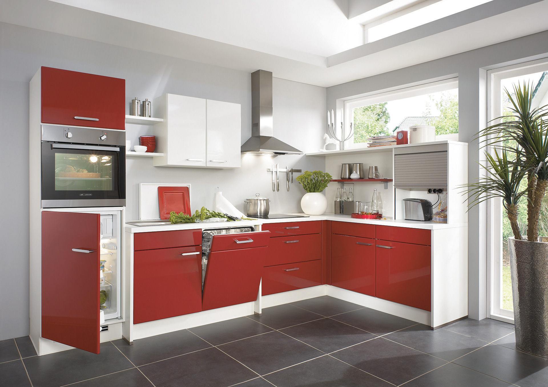 Design ideas for your home -The red color as part of the Kitchen